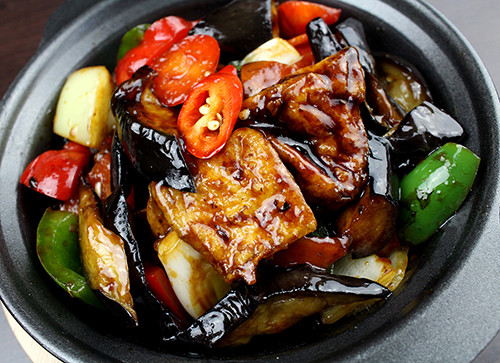 136-Tofu-and-Aubergine-in-Garlic-Black-B
