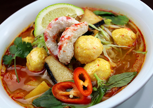 126-Mixed-Veggie-Seafood-Soup-Udon-Noodl