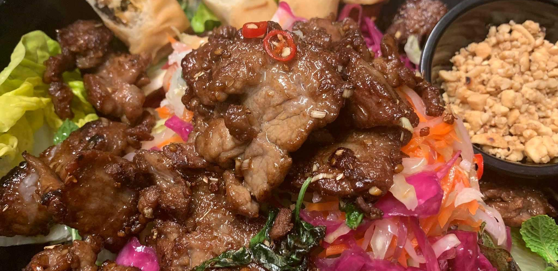 Beef-salad-vermicelli-with-crispy-spring