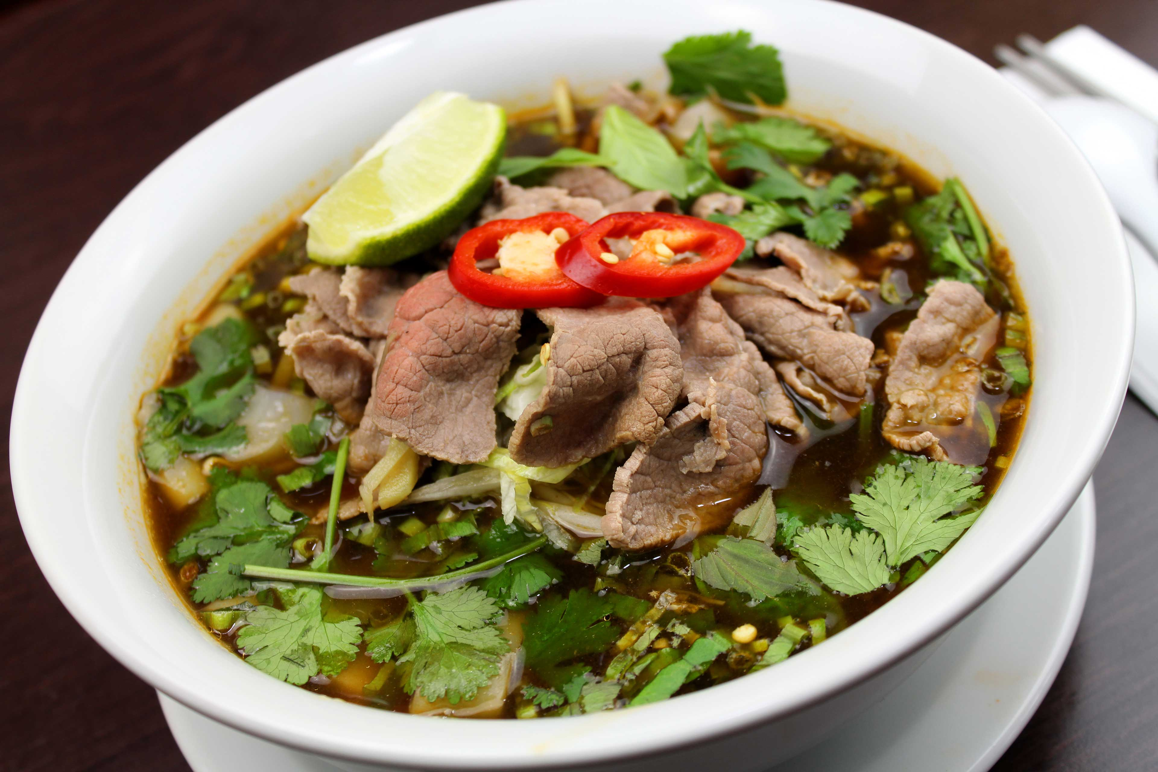 22-Vietnamese-Beef-Soup-Ho-Fun-(pho)-3.j