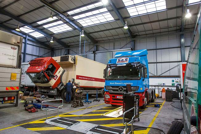 werkplaats trucks.jpg