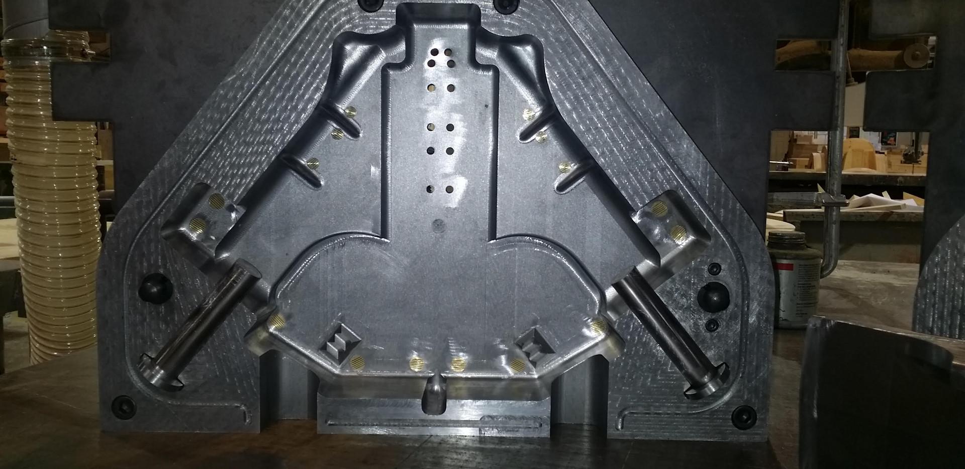 Metal Core Box