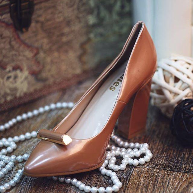 تشكيلة واسعة من الأحذية النسائية تتميز بالجودة العالية والتصميم الراقي في محلات #كان في #دلما_مول_اب