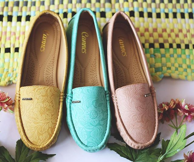 #real_imagination _روعة التصميم و جودة المنتج في حذاء عصري #طبي مريح للقدم بعدة تصاميم وألوان في محل