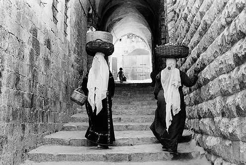 Jerusalem, Carrying baskets on their heads #1