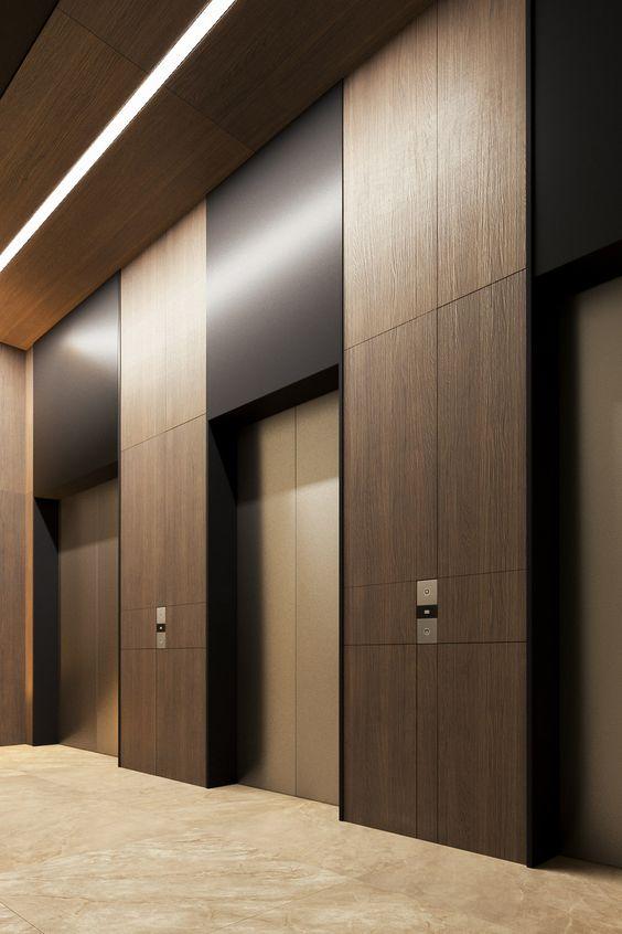 Вертикальное панелирование стен и зоны лифта