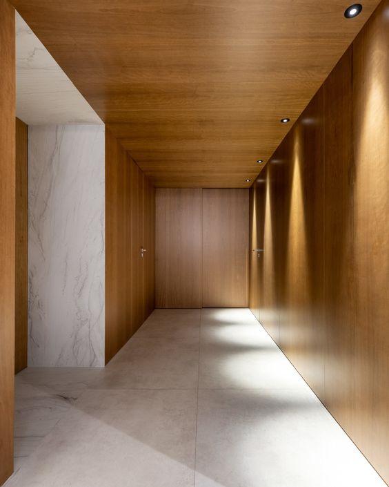 Обшивка стен из листового материала, например ДСП