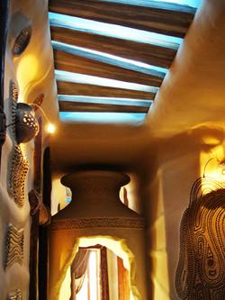 Скрытый потолочный свет, имитирующий укрытие