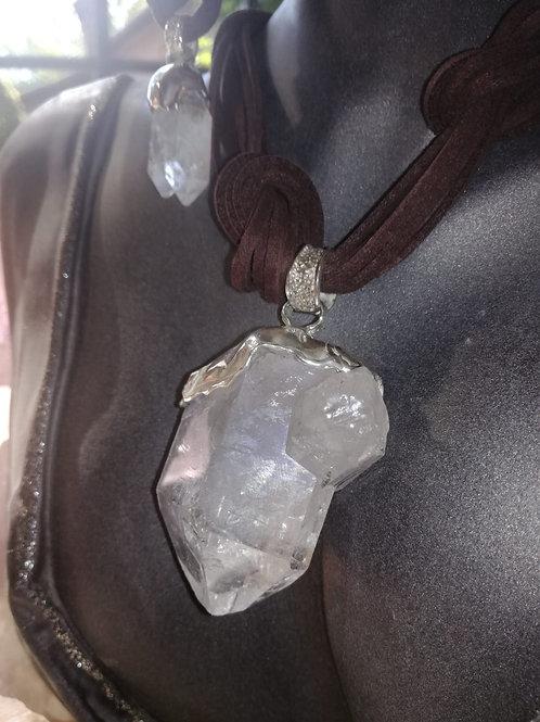 Ciondolo Cristallo di Rocca a forma naturale