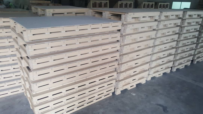 2 way paper pallet with full board