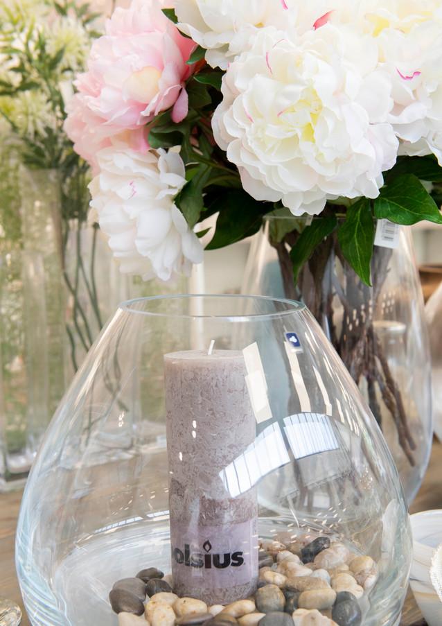 Vase mit Kerze für sinnliche Abende