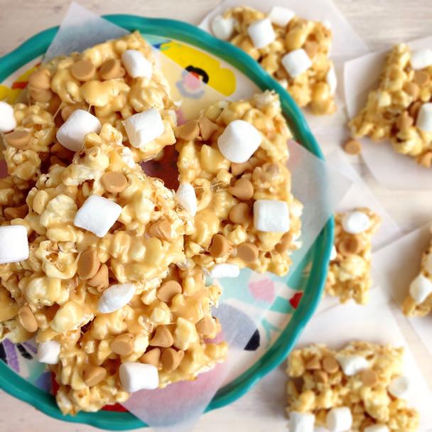 Fluffernutter Popcorn Bars