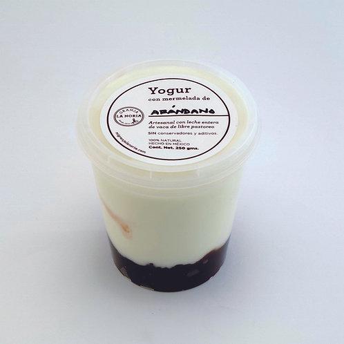 Yogur artesanal con mermelada de fruta, 250 gms