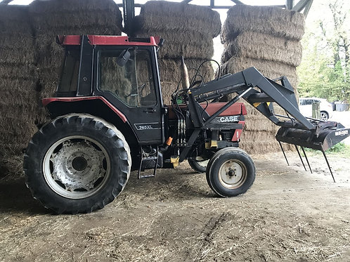 CASE IH 745 XL + CHARGEUR