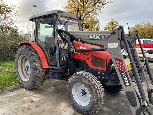 MASSEY 4235 + CHARGEUR
