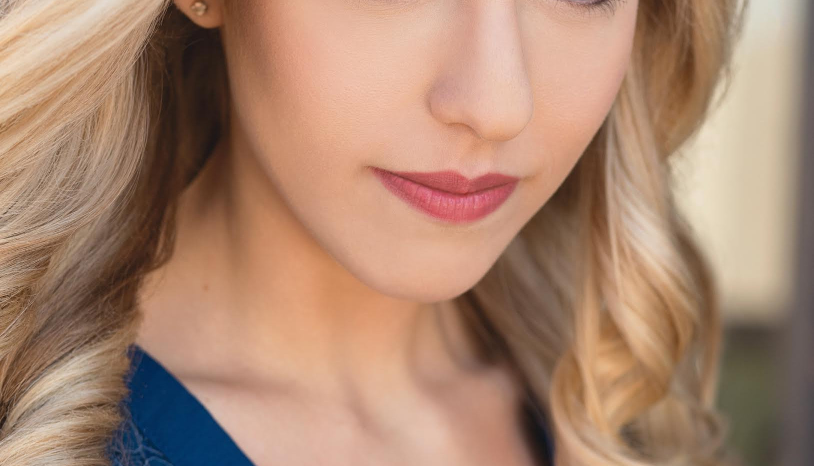 Nicole DeLuca - Headshot 2017 (2).jpg