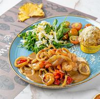 Comida de mar en restaurante Malanga del trópico