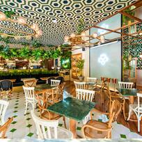 interior del restaurante Malanga del trópico