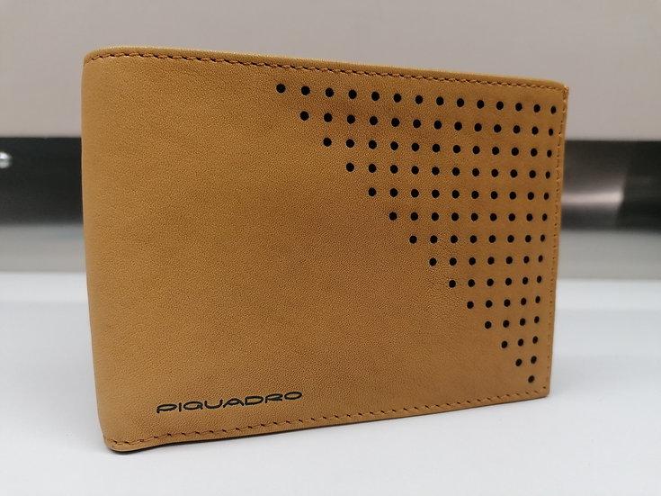 Portafoglio PIQUADRO Cod. PU1392S25/CU in pelle, organizzato con tasche