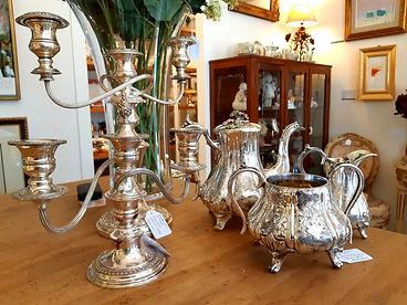 Tea service e candelieri del 1800