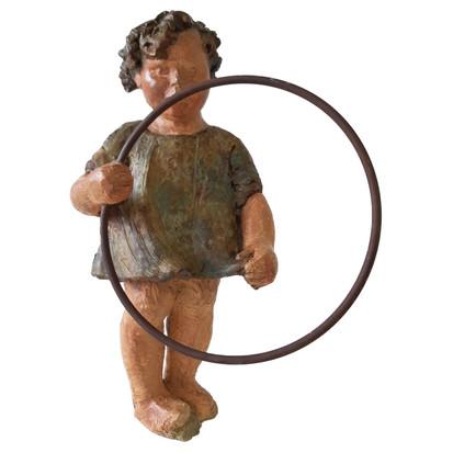 Bambina con cerchio