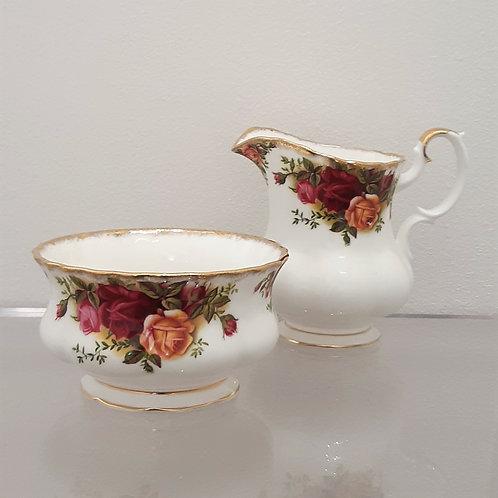 Zuccheriera e lattiera da tea Royal Albert del 1962 Galleria Papier