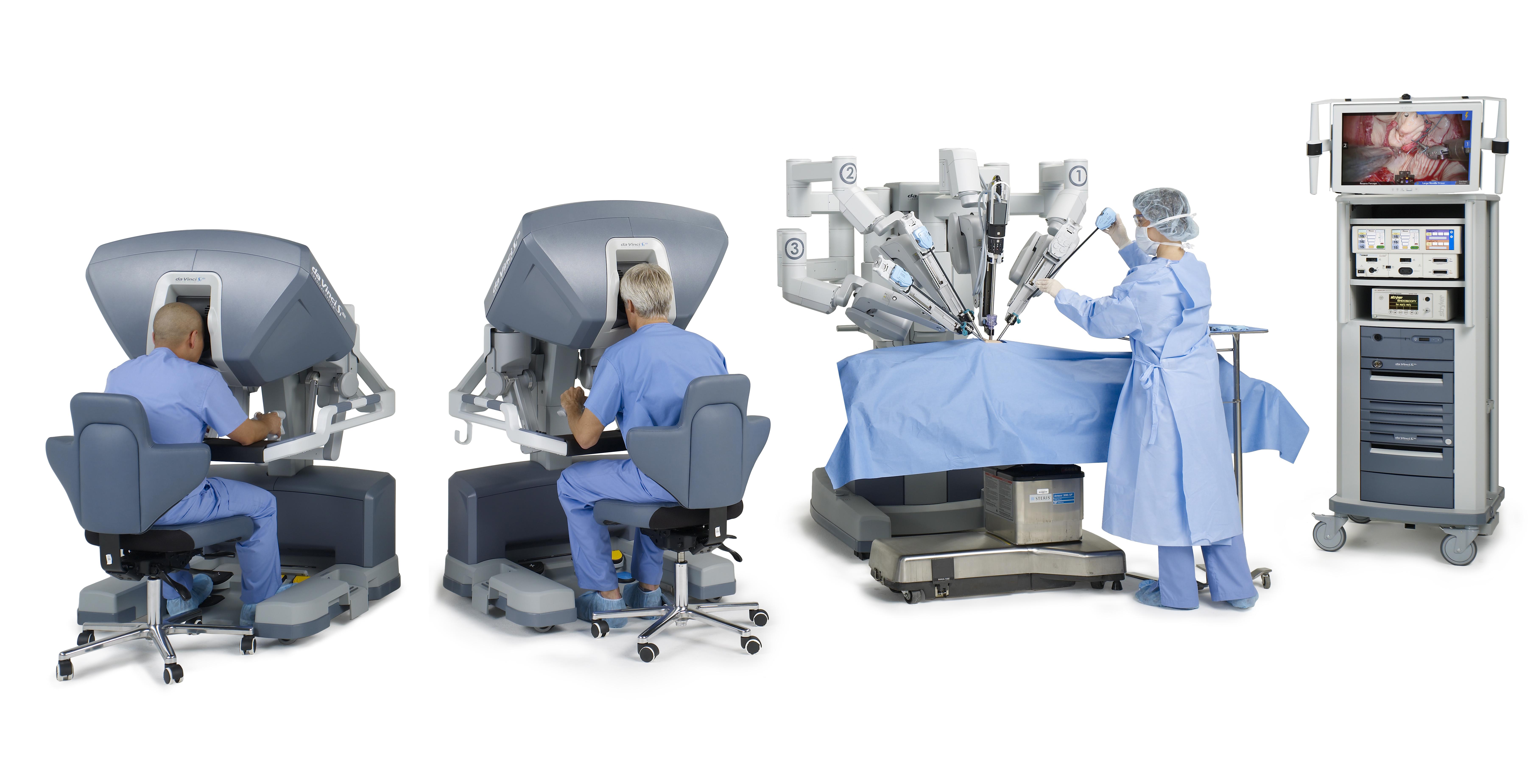 Si_0185_ two_male_surgeons_lookin_in.jpg