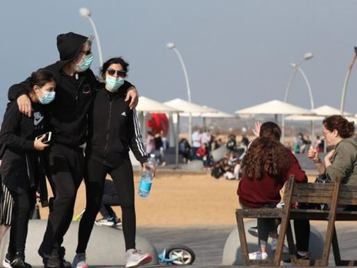Israel comienza un inseguro desconfinamiento con la esperanza en la vacunación