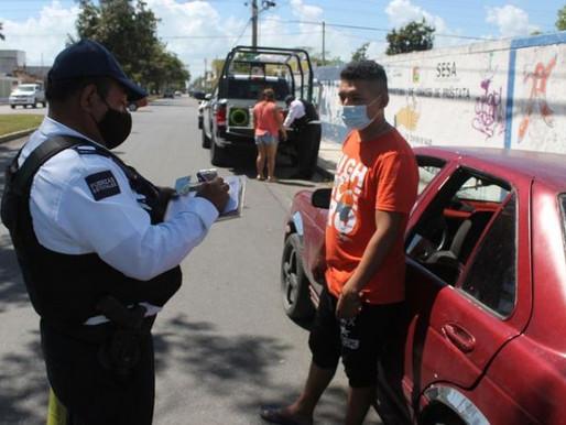 Tránsito realiza operativo en Chetumal contra autos polarizados