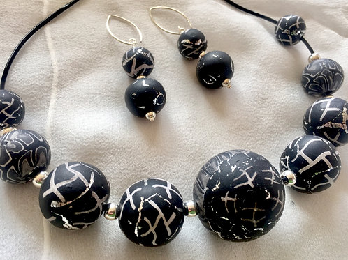 Basic Black with a hint of silver: Necklace and Earring set