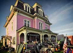 Pink-House USA