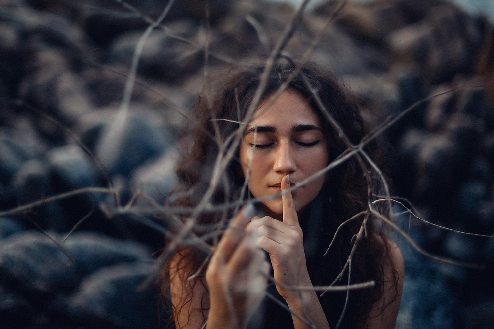 La femme est tendresse de vie, C,est pourquoi elle est femme et Vie tendresse