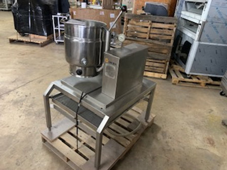 USED TILTING TABLE TOP KETTLES GAS