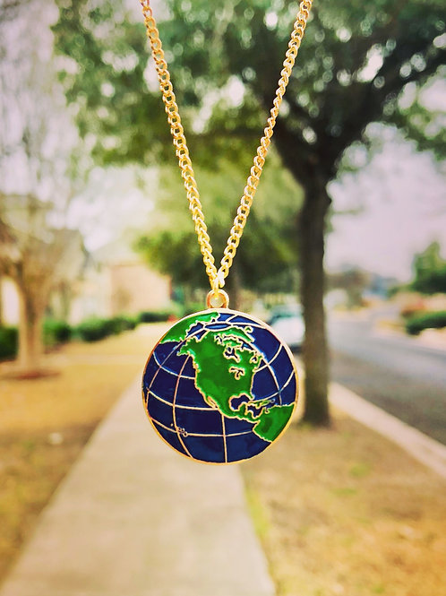 Vintage World Enamel Pendant Necklace
