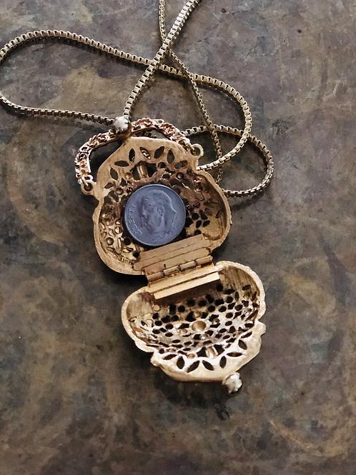 Vintage Gold Filigree Purse Locket Necklace