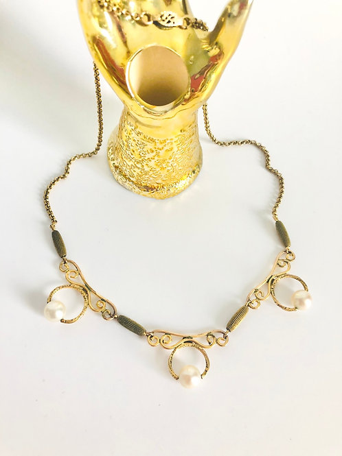 Dainty Pearl Scroll Style Vintage Necklace
