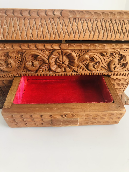 Stunning Vintage Carved Wood Jewelry Box Pink Inside