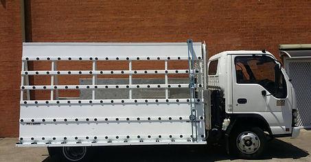 Transport Glass Isuzu Truck