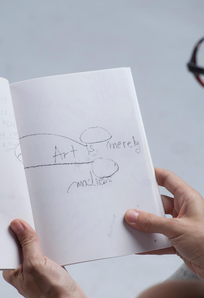 02_venice_biennal_artist_book_ira_lombar