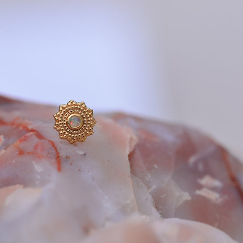 Afghan Round Threadless Yellow Gold with AAA White Opal