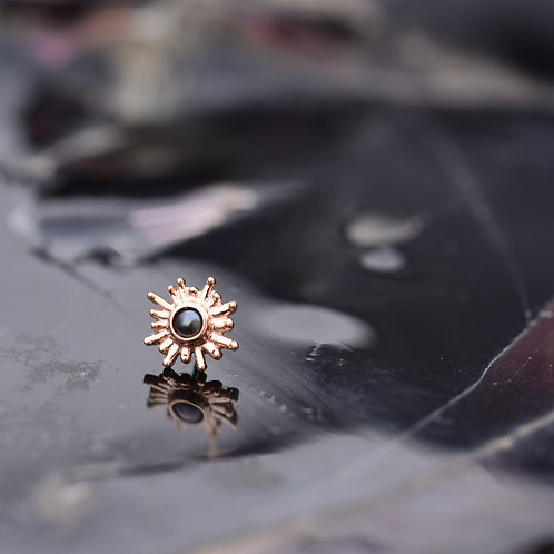 Sun Ray Threadless end solid Rose Gold and Genuine Black Pearl
