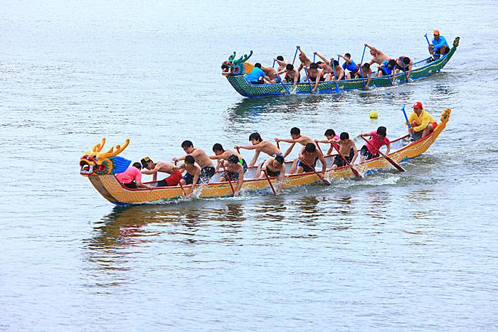 桃園縣--龍潭觀光大池--端午節划龍舟