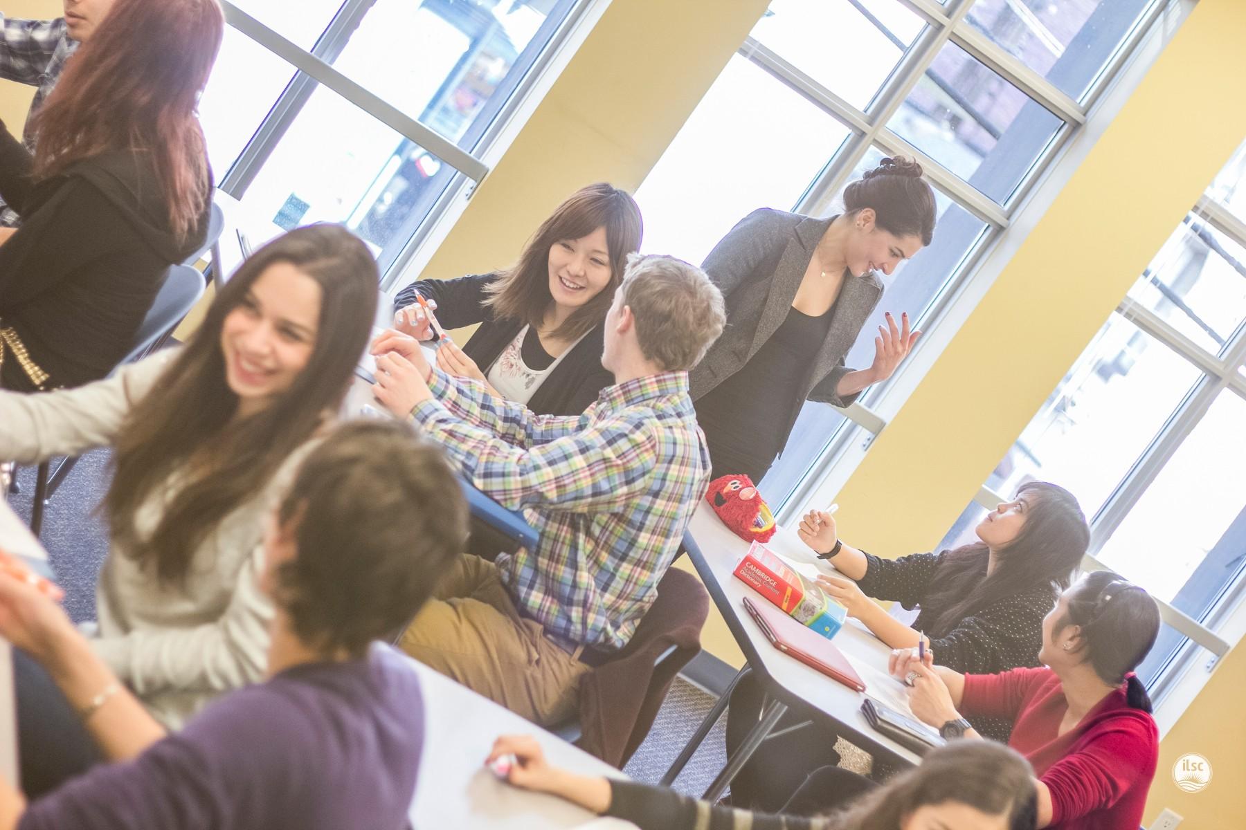 -agentsite-photo-list-ILSC-Vancouver-05_Classroom_03