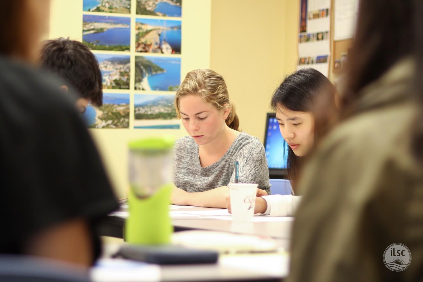-agentsite-photo-list-ILSC-Vancouver-10_Classroom_08