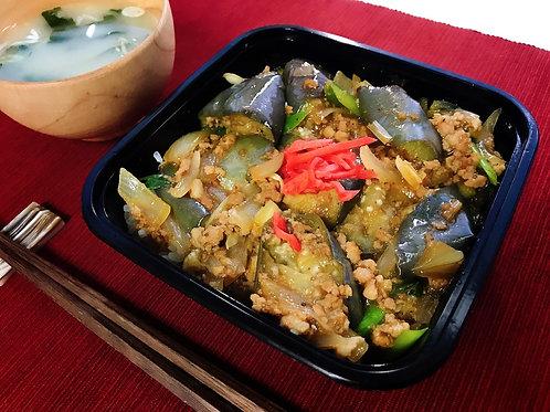 10月7日(月)お肉ごろごろ!ピリ辛麻婆茄子丼(味噌汁付)