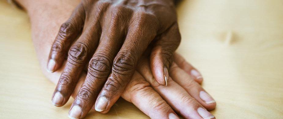 elderly-couples-hands_925x-3.jpg