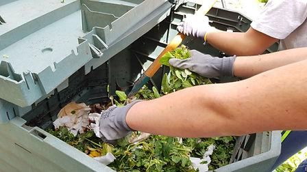 recyclage permaculture école fabien tournan regeneration vegetale