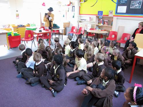 Spectacle pour une école de Londres jumelée avec St-Louis Sénégal....