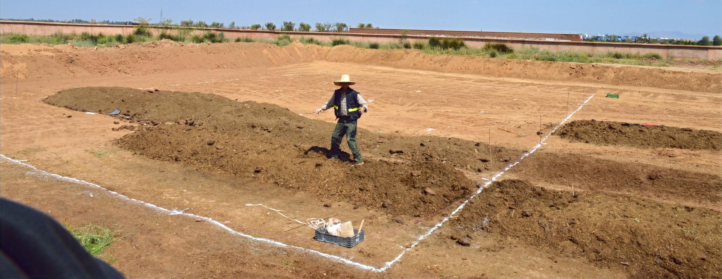 Marquage au sol des différents éléments du design, préparation de l'aire de pré-compostage...