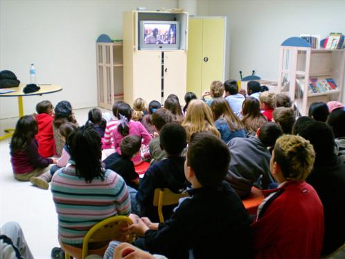 """Projection du film sur le reboisement dans les écoles par les """"Brigades Vertes""""..."""